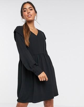 Vero Moda casual smock dress with v neck in black