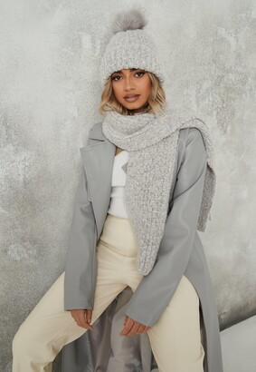 Missguided Grey Boucle Knit Hat And Scarf Set