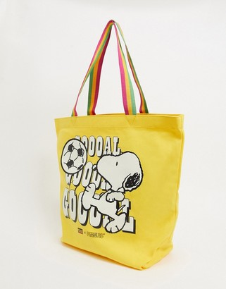 Levi's x Snoopy goal tote bag in yellow