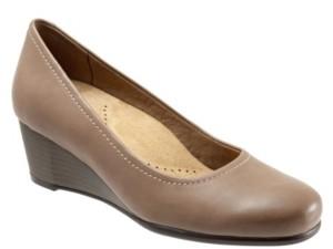 Trotters Winnie Wedge Women's Shoes