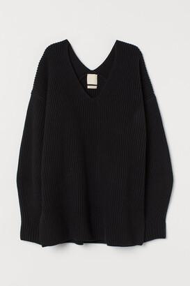 H&M V-neck wool-blend jumper
