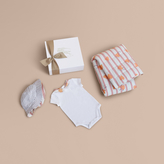 Burberry Hooked Heart Print Cotton Three-piece Baby Gift Set
