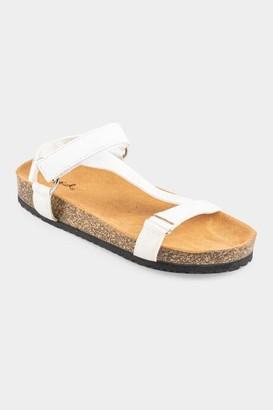 Qupid Luka Velcro Footbed Sandal - White