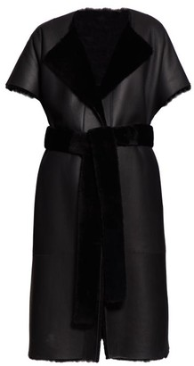 The Row Jill Sleeveless Leather And Shearling Coat - Womens - Black