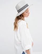 Liquorish Wide Brim Fedora Hat With Patterned Band