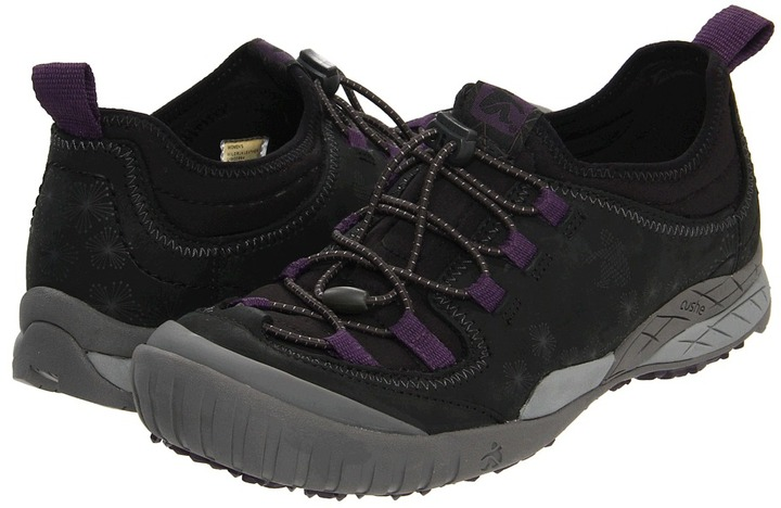 Cushe Wildrun Leather (Black) - Footwear