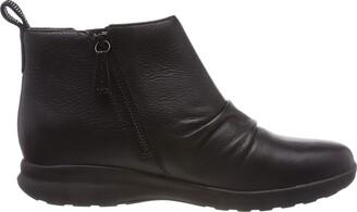 Clarks Women's Un Adorn Mid Slouch Boots