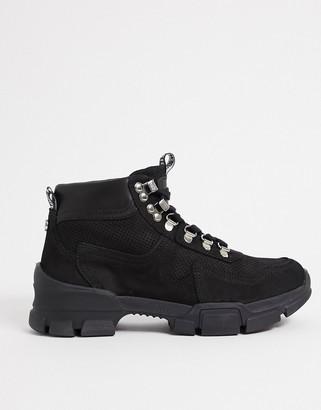 Steve Madden Ovvar chunky boot in black