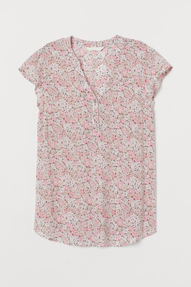 H&M MAMA Patterned Blouse