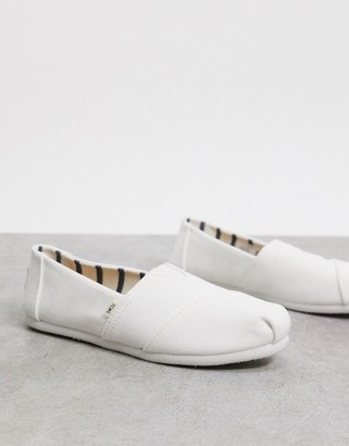 Toms classic canvas shoes in white