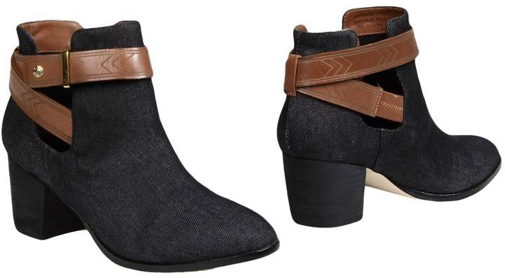 Cynthia Vincent Ankle boots