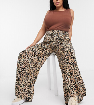 Glamorous Curve relaxed wide leg pants in leopard print