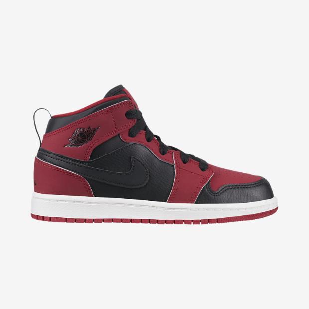 Nike Air Jordan 1 Mid Preschool Boys' Shoe (10.5y-3y)