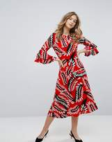 Traffic People Frill Sleeve Feather Print Midi Dress