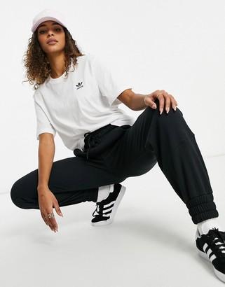 adidas Essential mini logo t-shirt in white