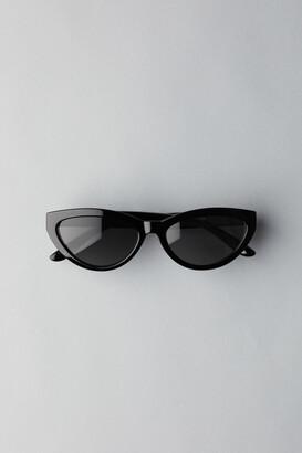 Weekday Arrival Cateye Sunglasses - Black