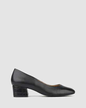 Airflex Vented Leather Block Heel Pumps