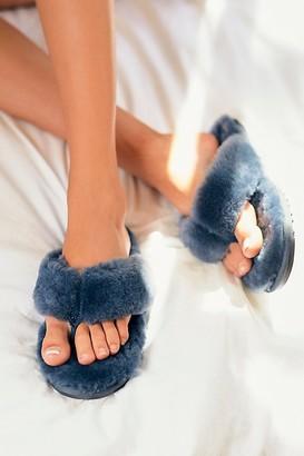 Lamo Sheepskin, Inc. Tilly Thong Slippers