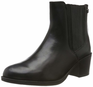Caprice Women's Country Ankle Boots