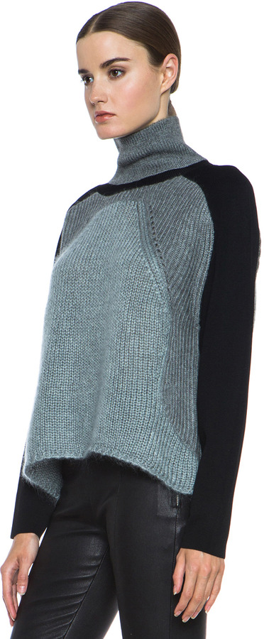 Helmut Lang Textured Knit Alpaca-Blend Turtleneck in Light Grey