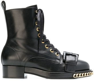 No.21 chain trimmed boots