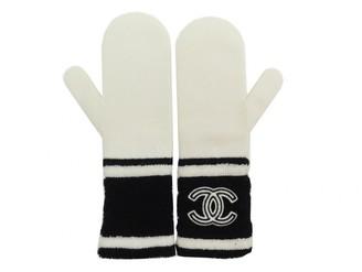 Chanel White Cashmere Gloves