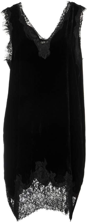 Gold Hawk Knee-length dresses