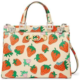 Gucci Zumi Strawberry print tote