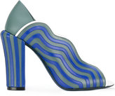 Fendi wavy panel sandals - women - Leather - 38.5