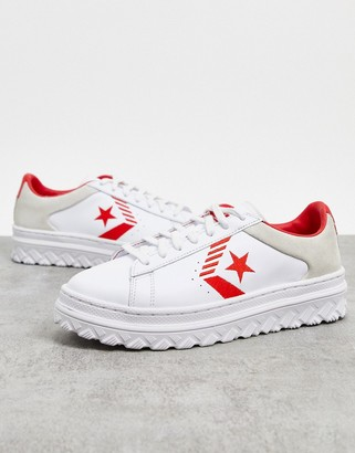 Converse Pro Leather Rivals platform trainers in white cream and red