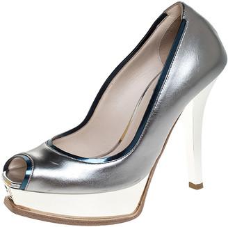 Fendi Metallic Silver Leather Fendista Peep Toe Platform Pumps Size 35