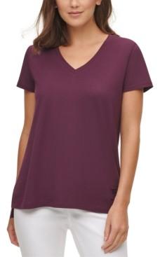 DKNY V-Neck T-Shirt