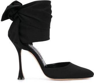 Manolo Blahnik Pumpia ankle wrap pumps