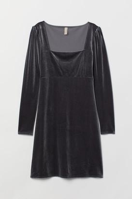 H&M Short Velvet Dress - Gray