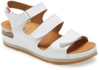 On Foot 201 Slingback Platform Sandal