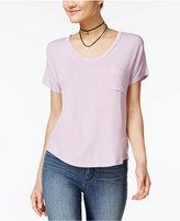 Belle Du Jour Juniors' V-Neck High-Low T-Shirt with Necklace