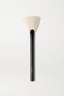 RAE MORRIS Jishaku 25 Fan Highlighter Brush - one size