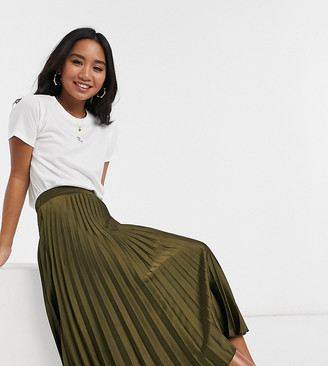 New Look Petite pleated midi skirt in khaki-Green