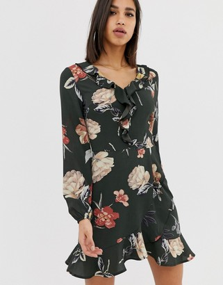 AX Paris Long sleeve dress in green floral