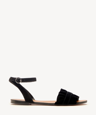 Sole Society Women's Elixane Ruffle Sandals Black Size 5 Kid Suede From