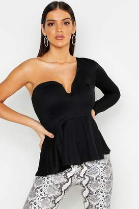 boohoo Crepe V Bar One Shoulder Peplum Top