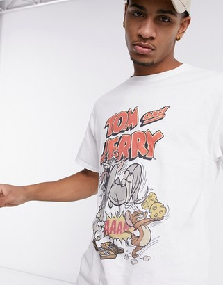 New Look oversized t-shirt with Tom & Jerry print in white