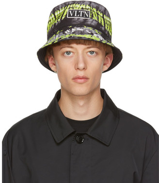 Valentino Reversible Black Garavani VLTN Bucket Hat