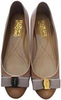 Salvatore Ferragamo Vara Beige Patent leather Ballet flats