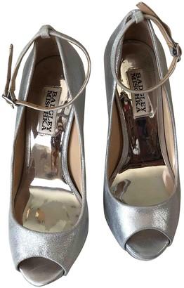 Badgley Mischka Silver Leather Heels