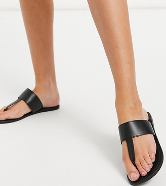 ASOS DESIGN Wide Fit Function leather toe thong sandals in black
