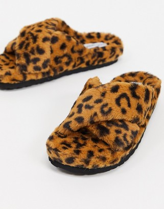 Steve Madden Fuzed slip on fluffy slipper in leopard