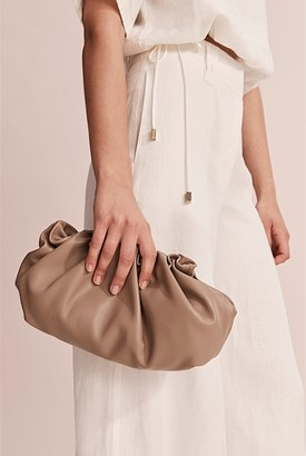 Country Road Ariel Leather Crossbody Bag