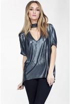 Select Fashion Fashion Womens Silver Metallic Choker Tee - size 8
