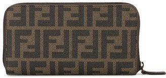 Fendi Pre Owned Zucca pattern all around zipped wallet